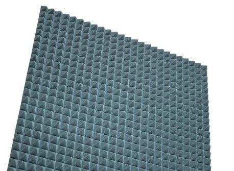 """ספוג אקוסטי 100×100 ס""""מ בצורת פרמידה צבע אפור"""