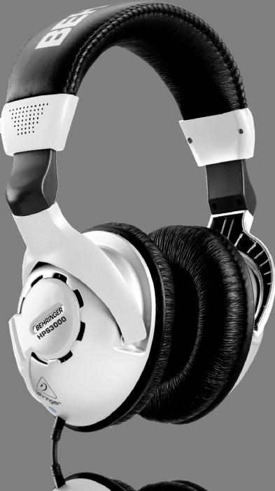 אוזניות אולפן Behringer HPS3000